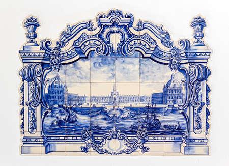 伝統的なポルトガルの手塗られた錫釉セラミック tilework、Azulejo と呼ばれます。観賞用のアート フォームとも家庭で温度制御のような特定の機能と 写真素材