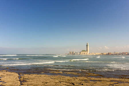View on seafront of Grande Mosque Hassan II in Casablanca, completed in 1993 is the largest mosque in Morocco and the 7th largest in the world. Imagens