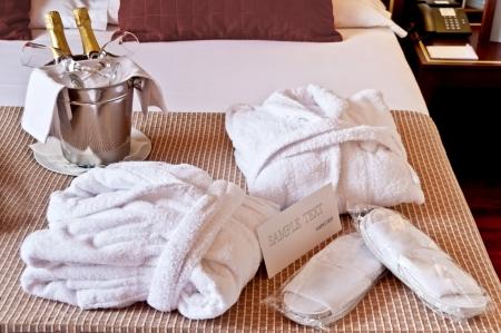 bathrobes: Habitaci�n listo para una noche relajante y rom�ntico
