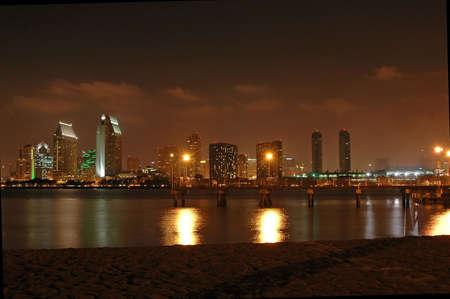 San Diego の夜のスカイライン