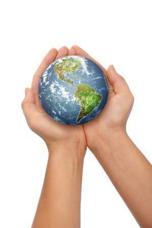 Handen houden van de wereld op een witte achtergrond Stockfoto