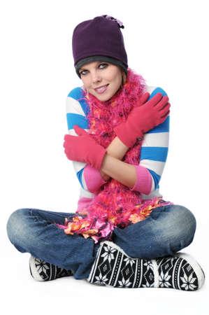 Ritratto di una bella ragazza con panni di inverno isolato su bianco  Archivio Fotografico - 7774260
