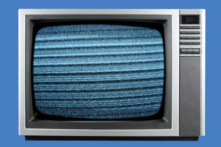 青色の背景に分離されたビンテージ テレビ