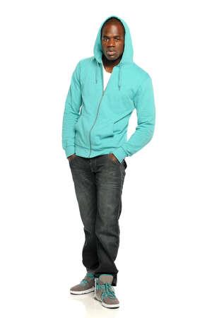 hoody: Молодые афро-американских человек носить капюшоном, изолированных на белом фоне