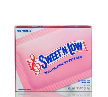 MIAMI, USA - April 21, 2015: A box of Sweet'N Low. The popular artificial sweetener is made from granulated saccharin with dextrose and cream of tartar. 報道画像