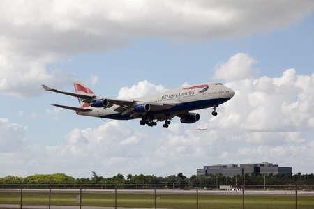 boeing 747: MIAMI, USA - October 22, 2015: Boeing 747 British Airways lands at Miami International Airport. Editoriali