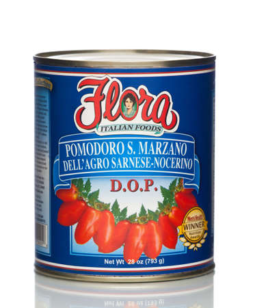 MIAMI, USA - JAN 26, 2015: 28 oz. Flora San Marzano Tomatoes. Authentic Italian Tomato. No cholesterol. This product contains lycopene, an antioxidant that promotes health. All natural. Redactioneel