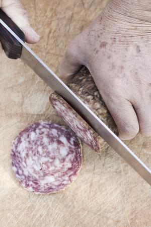 calory: Slicing salami