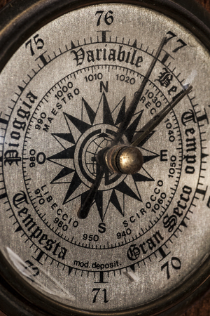 Close-up view on a barometer - photograph Archivio Fotografico