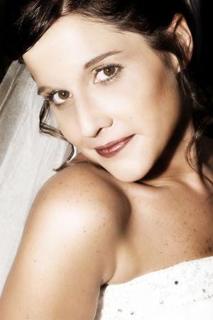 hazel eyes: Beautiful brunette bride with hazel eyes, close up Stock Photo
