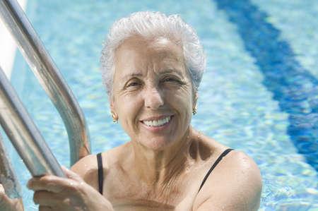 to swim: Active senior
