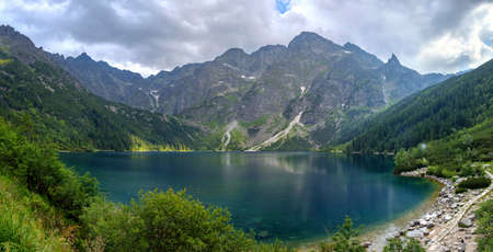 Panoramic landscape of the lake Morske Oko (Sea Eye), Zakopane, Poland, High Tatras Imagens