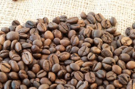 breathable: bellissimo sfondo macro di caff� con juta