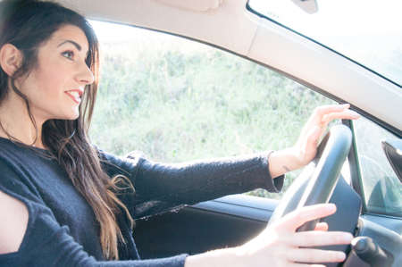 undisciplined: female driver that drive his car in a bad situation