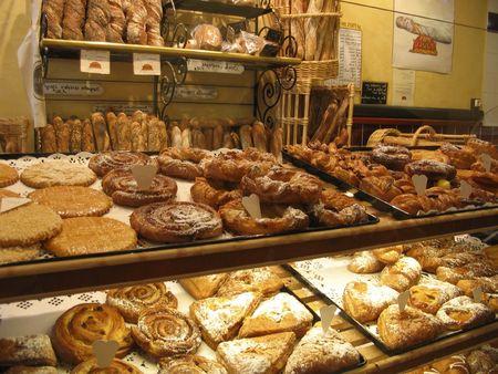 pasteleria francesa: Franc�s pasteles pantalla en un pastel tienda en la ciudad de Metz - Lorena regi�n - Francia - Europa  Foto de archivo