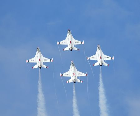 F-16 jet fighters of the aerobatic team Thunderbirds - Arctic Thunder airshow 2008 - Anchorage - Alaska - USA Stock Photo