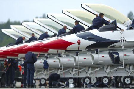 サンダーバード ターマック タイフーン戦闘機 F - 北極雷航空ショーに 2008 - アンカレッジ - アラスカ - アメリカ空軍アクロバット チーム