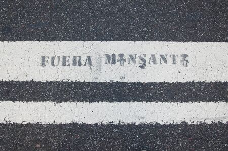 Capital Federal, Buenos Aires / Argentina; Jan 22, 2016: message against Monsanto Company and its business of genetically modified crops and toxic herbicides Archivio Fotografico