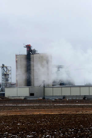 distillers: Illinois River Ethanol Production Plant in rochelle Illinois Editorial