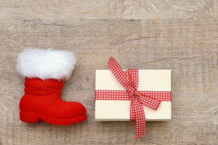 botas de navidad: Xmas presentes y Navidad botas en la madera