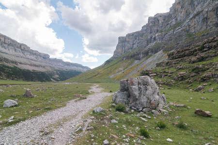 perdido: Soaso Circus located in the national park Ordesa y Monte Perdido in Huesca  Spain