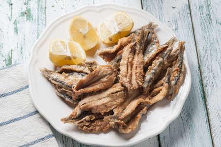 engraulis encrasicolus: Fried anchovies to Malaga style Stock Photo