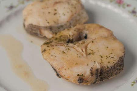 mediterrane k�che: Seehecht in gr�ner Sauce mediterrane K�che
