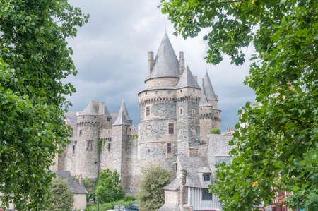 castillo medieval: Detalles de la ciudad medieval Vitr en Francia