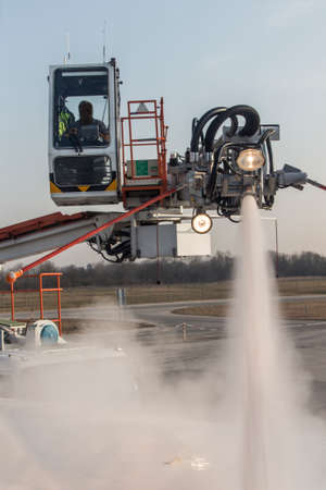 takeoff: De-icing procedure of an airplane before take-off