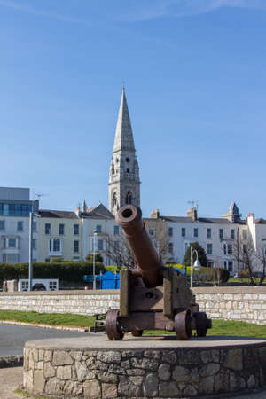 bombard: Cannon with the National Maritime Museum of Ireland in the background