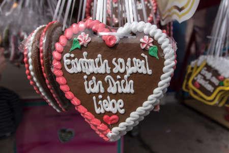 wiesn: Gingerbread hearts labeld