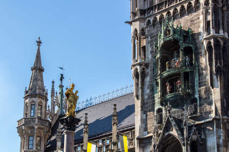 vital: Marienplatz also called Marys Square is one of the most vital places in Munich with the Mariensule Marian column and the famous Glockenspiel