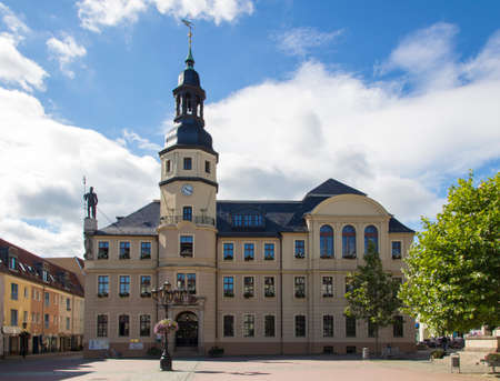 municipality: The town hall of Crimmitschau is located on the market place and is occupied by the municipality, the history of the building goes back to 1414 Editorial