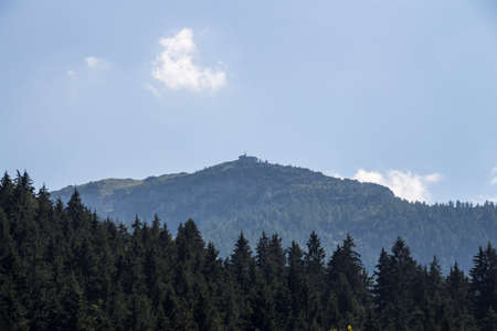 eagle nest rock: The Kehlsteinhaus also known as the Eagles Nest on top of the Kehlstein at 1.834m is the formerly Hitlers home and southern headquarters, the Eagles Nest is located close to Berchtesgaden Stock Photo
