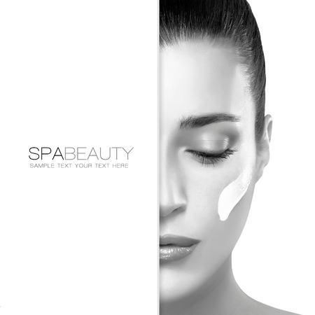 Spa treatment and beauty concept. Portrait of a gorgeous woman with cosmetic cream on her cheek and blank copyspace alongside with sample text. Template design 스톡 콘텐츠