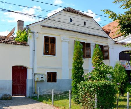 transylvania: Typical house in the village Bunesti, Transylvania
