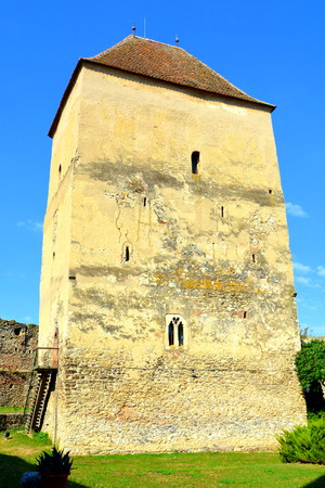 recently: Tower. Courtyard of the medieval fortified saxon church in Calnic, Transylvania Câlnic village is known for its castle, which is on UNESCOs list of World Heritage Sites. Câlnic Citadel, first mentioned in 1269, is very well preserved. Built as a noble