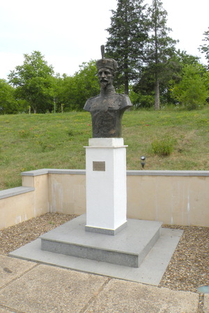 constantin: Statue of an hero in Marasesti, memorial from the WWI.   In 1917 during World War I, the Battle of Mărăşeşti between the Kingdom of Romania and the German Empire was fought near the town. A mausoleum containing the remains of 5,073 Romanian soldiers w Editorial