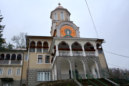 Saint Ana-Rohia Monastery is set in a special natural place on the hillside of a hill. It was built in 1926.
