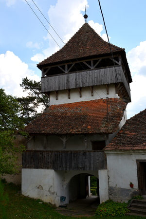 Ungra is a commune in BraÅŸov County, Romania. In Ungra there is a medieval 13th century Transylvanian Saxon church and many old houses.Since its founding it was one of the most important villages in this area, where there was a strong Transylvanian Saxon community.