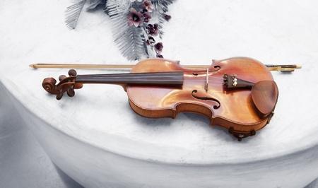 chiave di violino: Old retro Violino Classico strumento musicale d'epoca