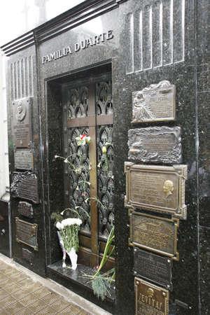 cemetery la recoleta in buenos aires