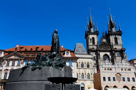 The Church of Mother of God before Týn, often translated as Church of Our Lady before Týn, is a gothic church and a dominant feature of the Old Town of Prague, Czech Republic Banco de Imagens