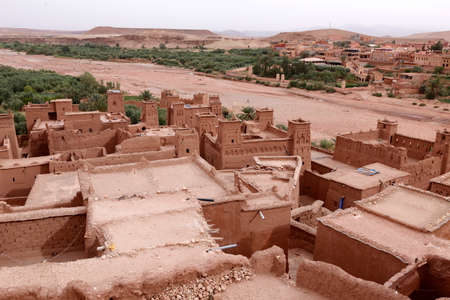 Fortified City (Ksar) with Mud Houses in the Kasbah Ait Ben Haddou near Ouarzazate in the Atlas Mountains of Morocco. UNESCO World Heritage Site since 1987. Several films have been shot there Standard-Bild - 129720595