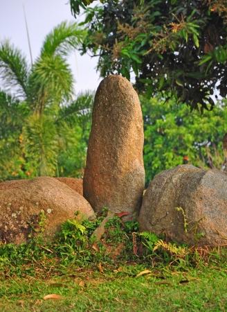 pene: De piedra con forma de pene