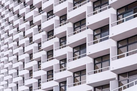 case moderne: balcone del condominio in citt�. Archivio Fotografico