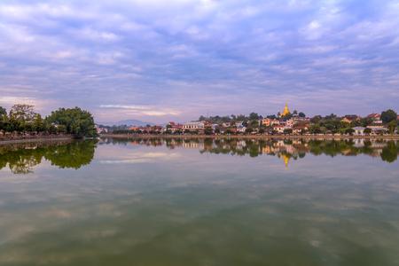 ミャンマー チャイントンでマンダレーの川都市の景観。(ビルマ)