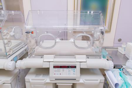 sala parto: incubatrice infantile in post ospedale sala parto. Archivio Fotografico