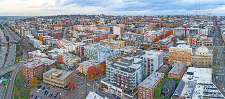 Capitol Hill Seattle Washington USA City Aerial Landscape Buildings Highway View 스톡 콘텐츠
