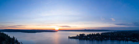Lake Washington Panoramic View From Bellevue to Seattle Stok Fotoğraf